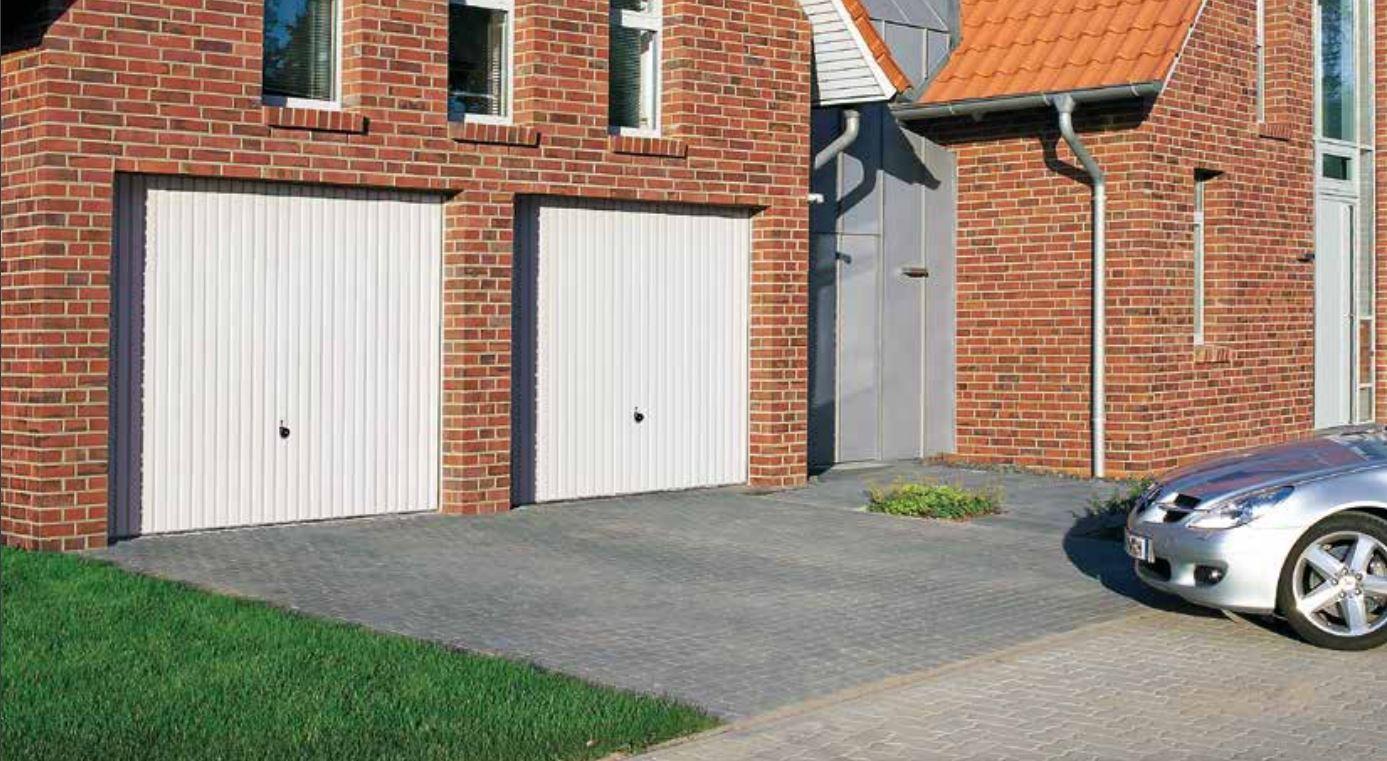 Výklopná vrata jsou symbolem bezpečnosti a praktičnosti